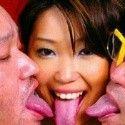 キモ男VS美女たちの接吻